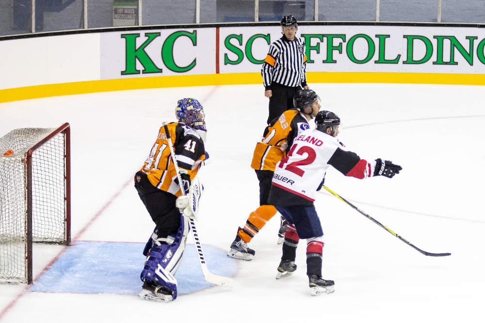 Ice hockey – Robertson stars as Murrayfield Racers fire 15  6e5b2a3fd79