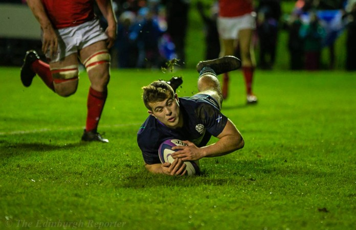 Robbie McCallum scoring Scotland's second try