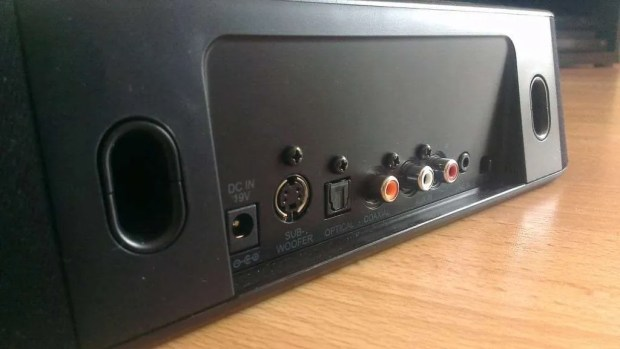 Toshiba Mini 3D Sound Bar Connections