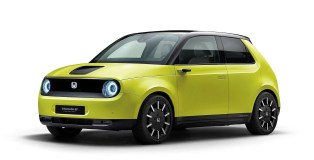 """Honda e in """"Charge Yellow"""""""