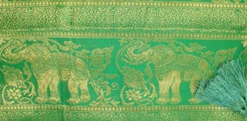 Elephant Bold Grass Green Detail
