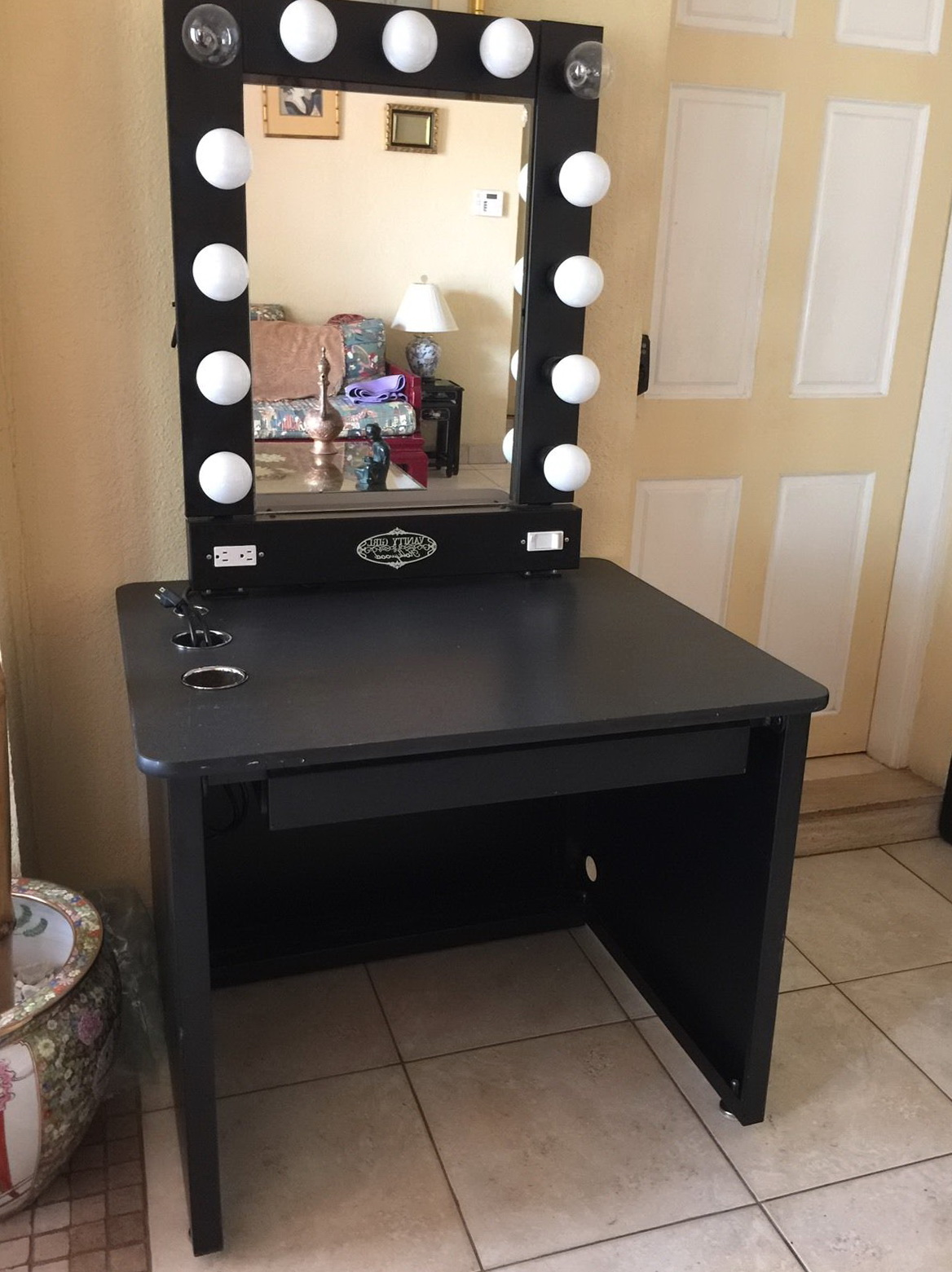 Lighted Vanity Mirror Table  Home Design Ideas