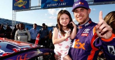 Auto Industry News - Hamlin wins NASCAR