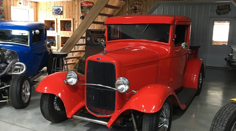 Wanamaker '32 Ford Collection - Red Pickup