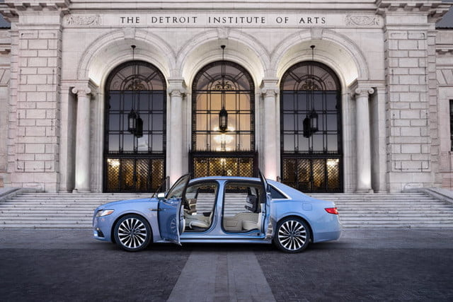 The Lincoln Continental 80th Anniversary Coach Door Edition will debut at the 2019 Detroit Auto Show.