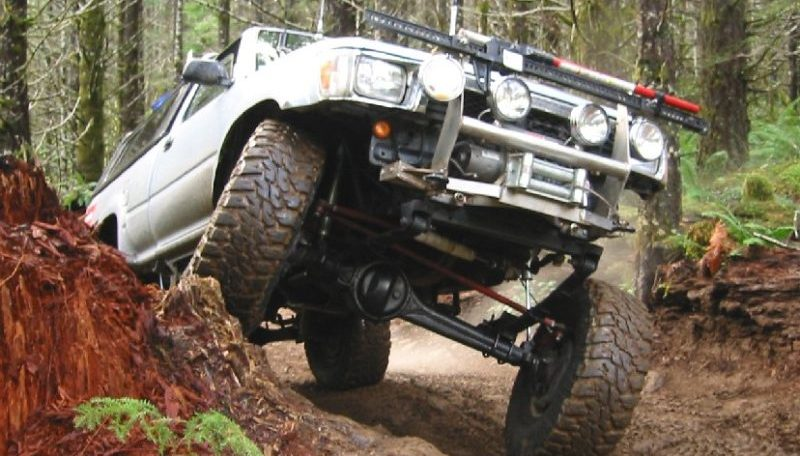 This offroader opted for a solid axle swap to get better wheel travel and articulation.