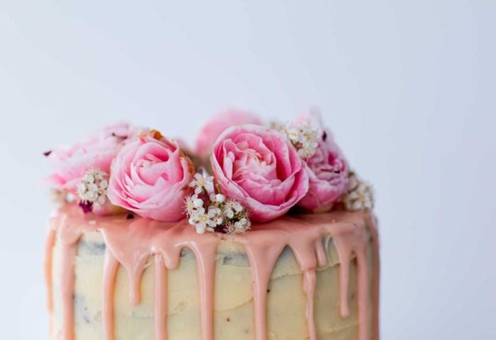 Lemon Almond And Raspberry Cake The English Home