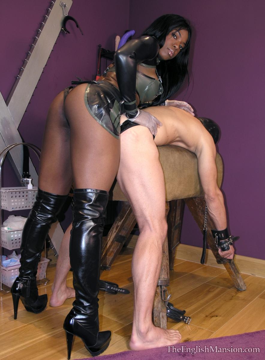 Ebony Lesbians Strapon Orgy