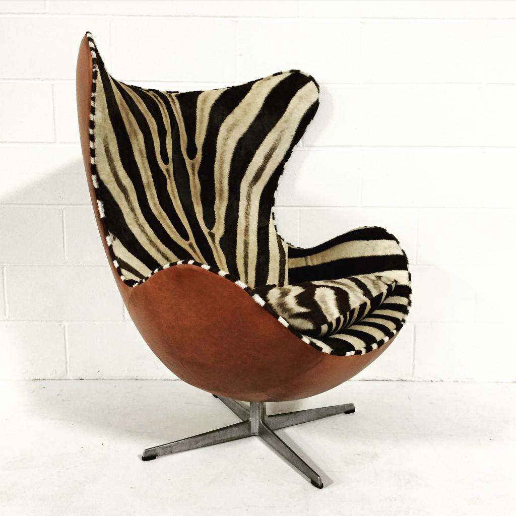 Chair Love: Zebra Arne Jacobsen Egg Chair