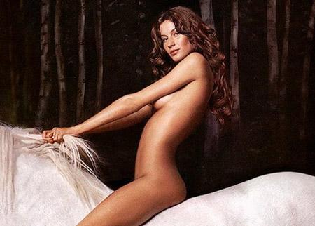 https://i0.wp.com/www.theequinest.com/images/gisele-horse.jpg