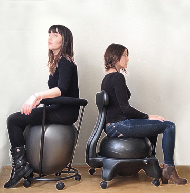 Comparison Between an Egg Ball Chair to a Round Ball Chair