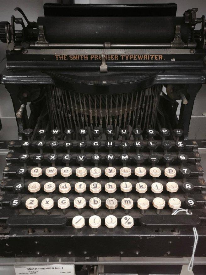Photo of a Smith Premier No. 1 typewriter