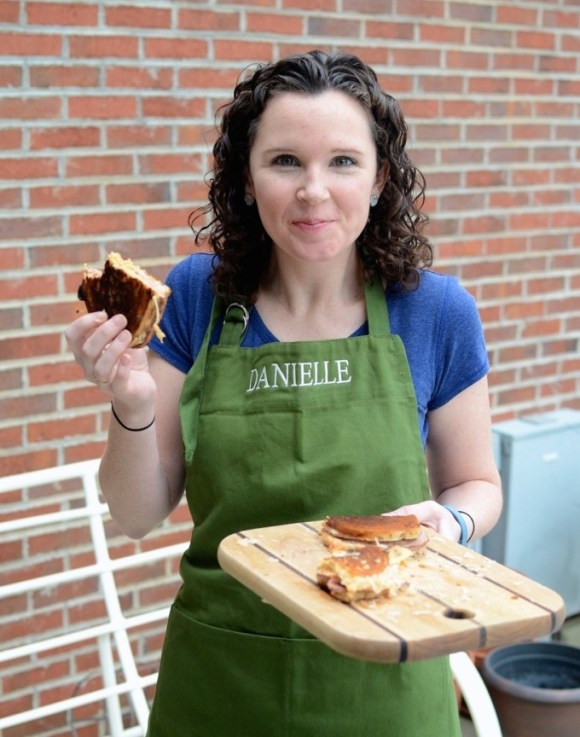 Danielle Cushing - Blogger at www.mybottomlessboyfriend.com