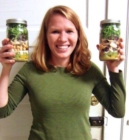 Happy about salad jars! www.mybottomlessboyfriend.com