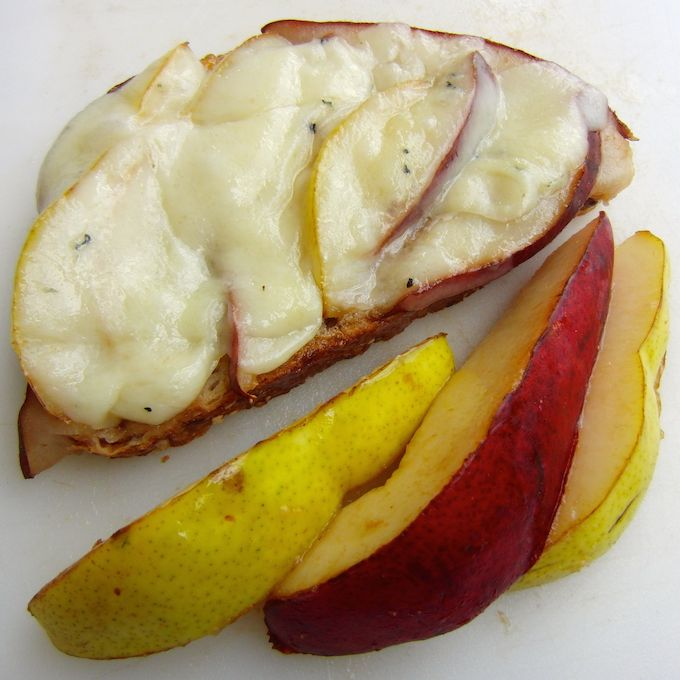 sweet + savory Grilled Cheese & Pear Sandwich. You want this recipe! at www.mybottomlessboyfriend.com