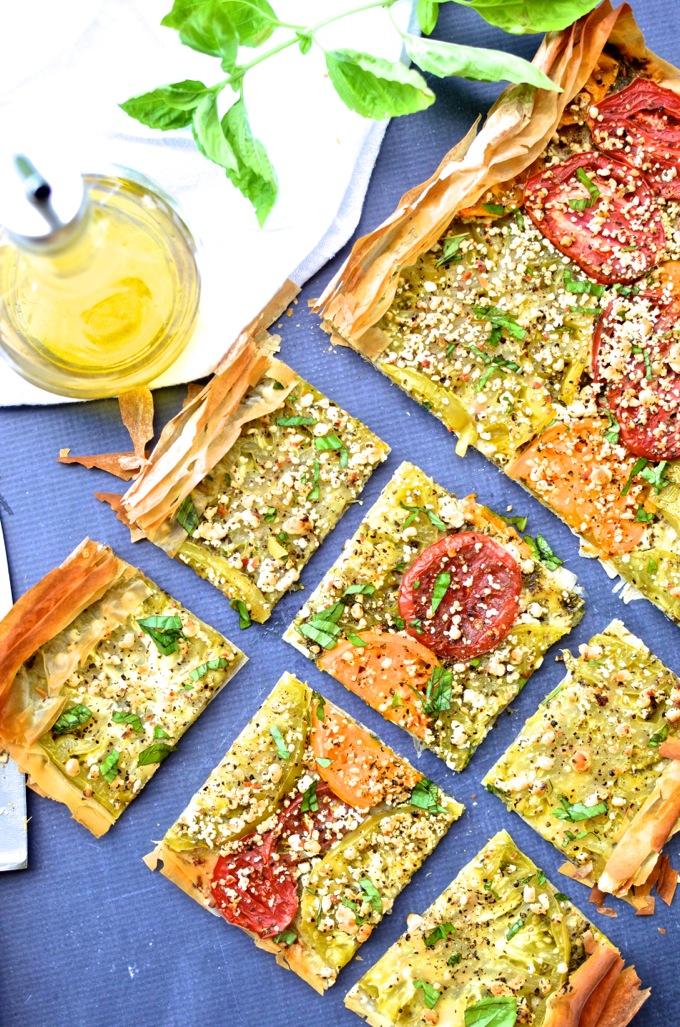 This Heirloom Tomato & Goat Cheese Tart is bursting with summer flavor!   www.mybottomlessboyfriend.com