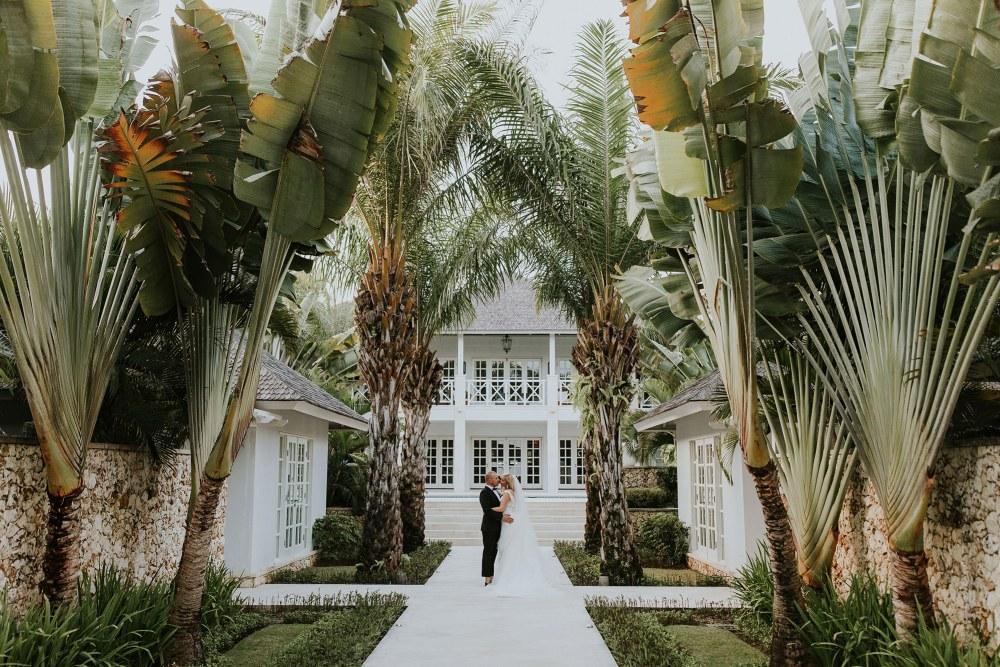 the ungasan clifftop resort wedding