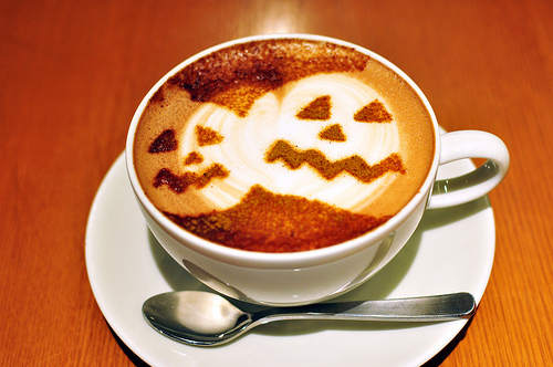 halloween pumpkin coffee art