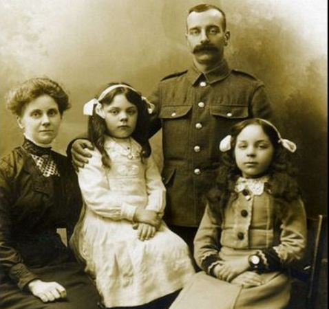 Do you recognise this Exeter WW1 family  The Exeter Daily