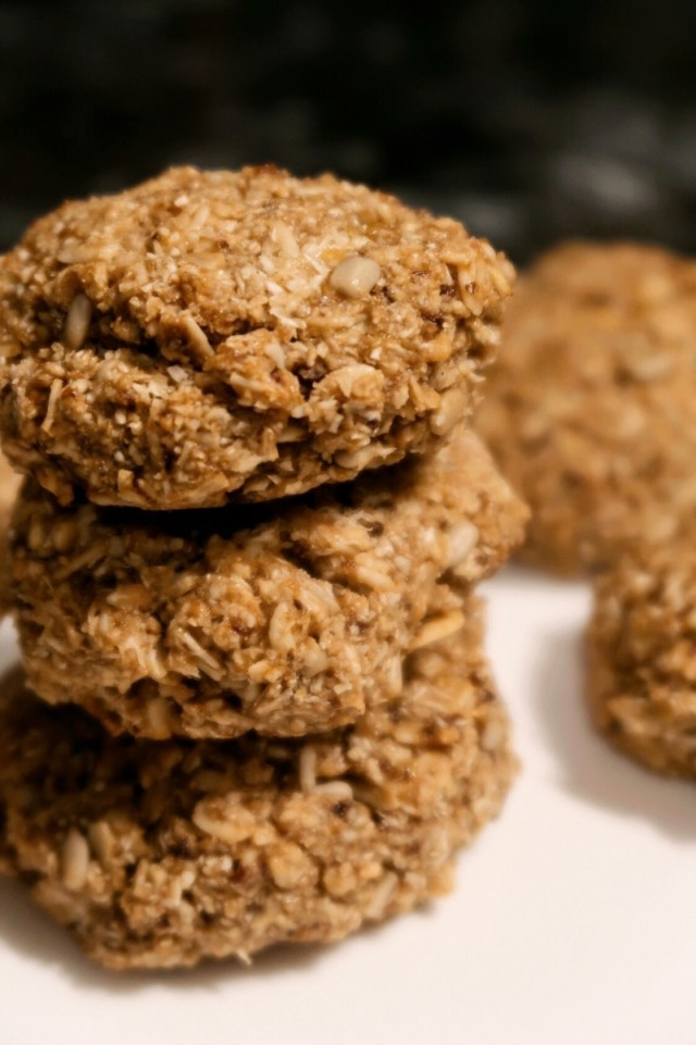 Hawaii Food Blogger Thefabzilla shares her quick-bake, vegan and gluten-free granola oat coconut cookies recipe.