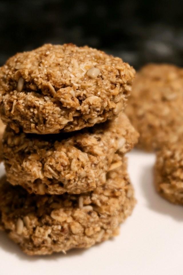 Hawaii Food Blogger Thefabzilla shares her quick-bake, vegan and gluten-free granola oat coconut cookies recipe.