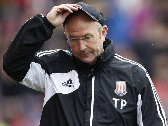 Tony-Pulis-cap-2013-Stoke-v-Manchester-United_2929781