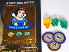Snow White bonus: Today I would like... 1 yellow, 2 green. First to leave the mine with this set gets 7 points.