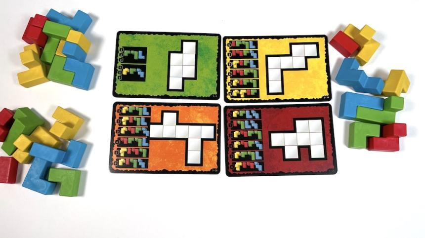 A variety of different puzzles from Ubongo 3D