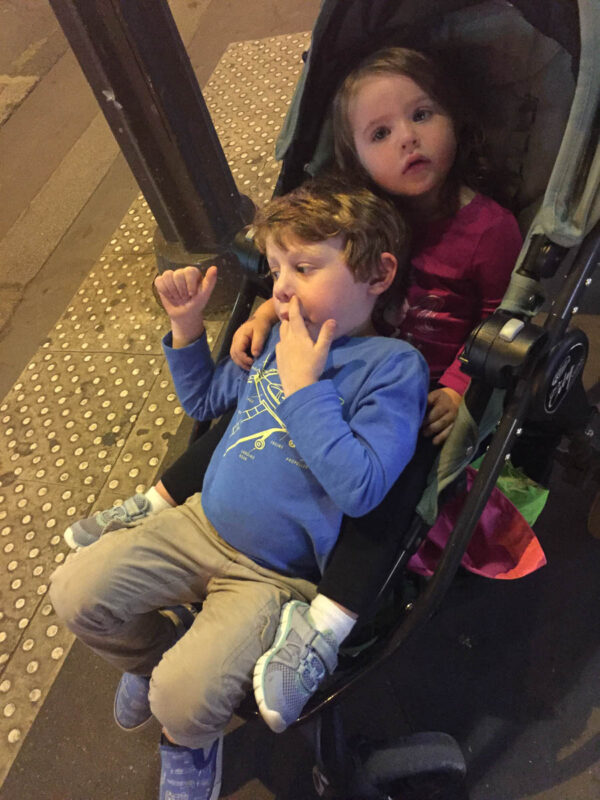 how to use a stroller in Paris