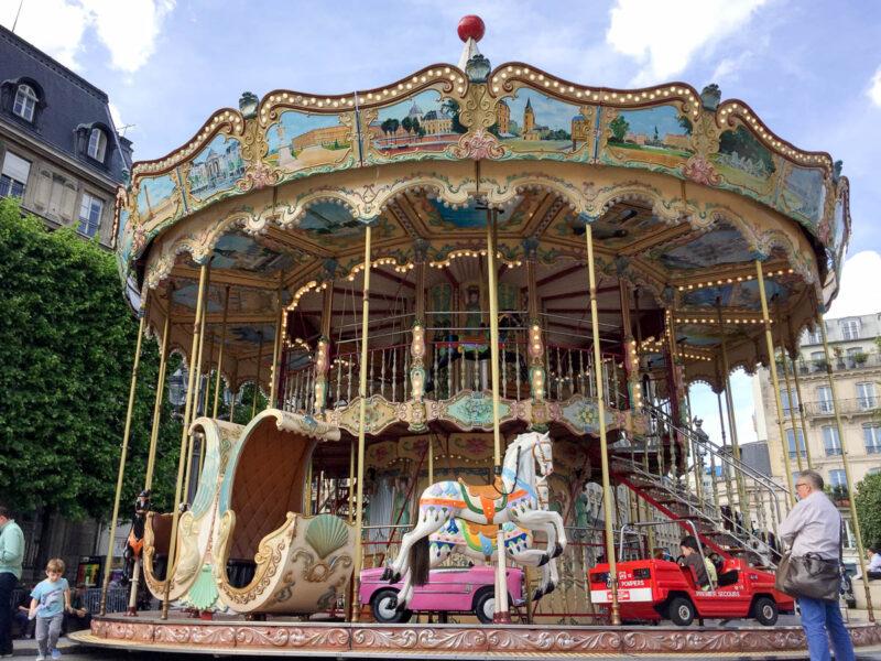 Paris Hotel de Ville carousel