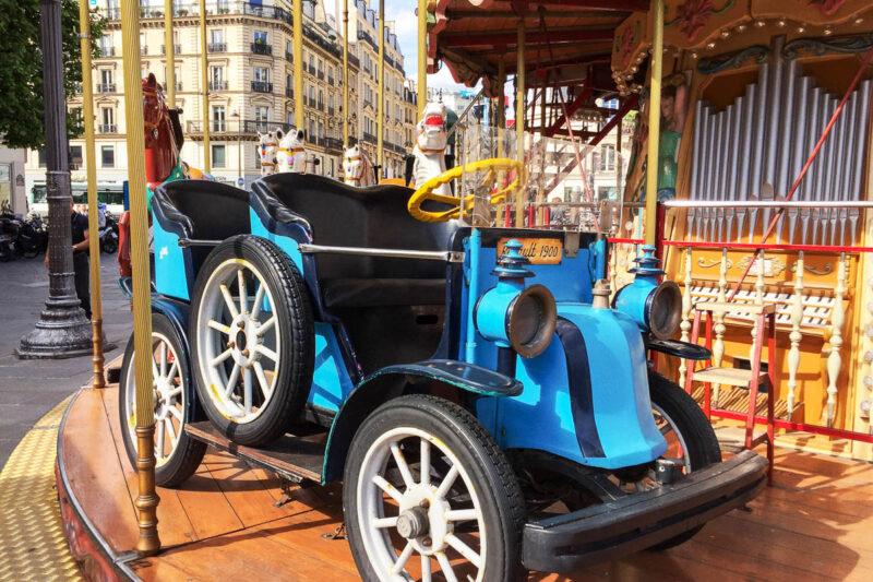 Paris marais carousel