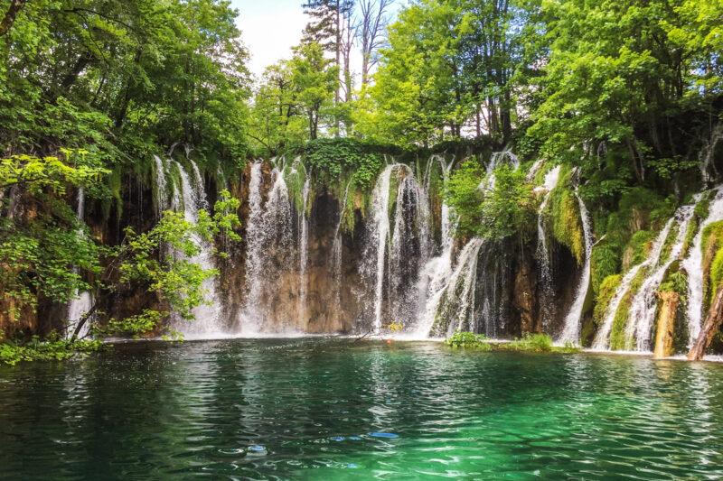 Plitvice Lakes National Park: beautiful places in croatia