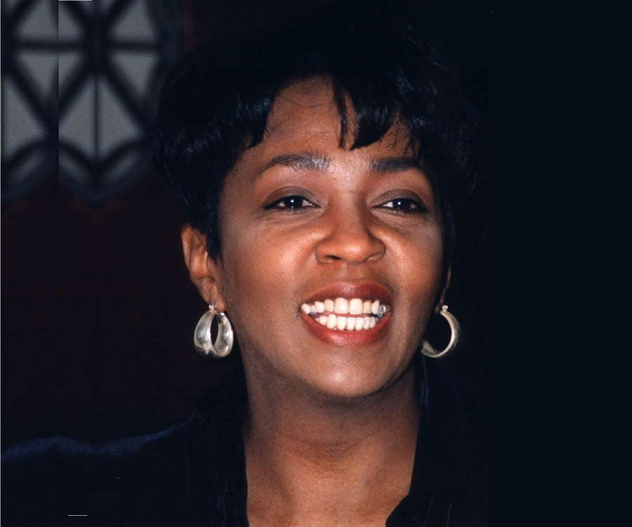 Anita Baker Biography Childhood Life Achievements