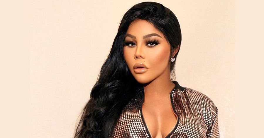 Lil' Kim Biography Facts Childhood Family Life