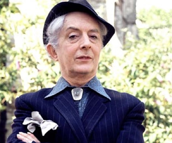 46 Great Quotes By Quentin Crisp That Will Change Your Notion About Life