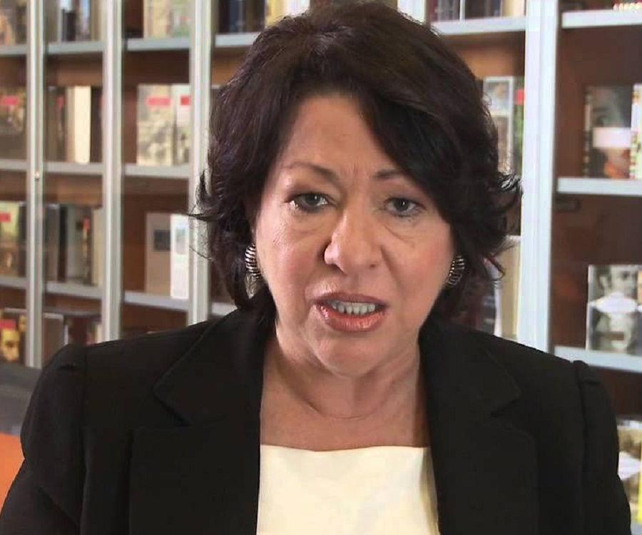Sonia Sotomayor Biography - Facts Childhood Family Life ...