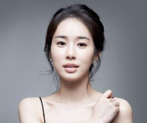 Yoo In-na Biography - Facts. Childhood. Family Life & Achievements of S Korean Actress