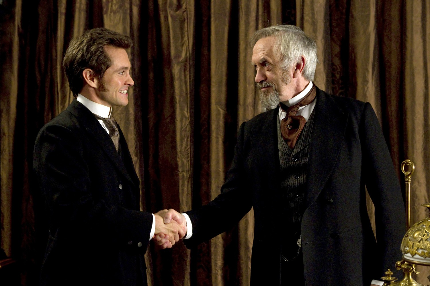 Hugh Dancy,Jonathan Pryce