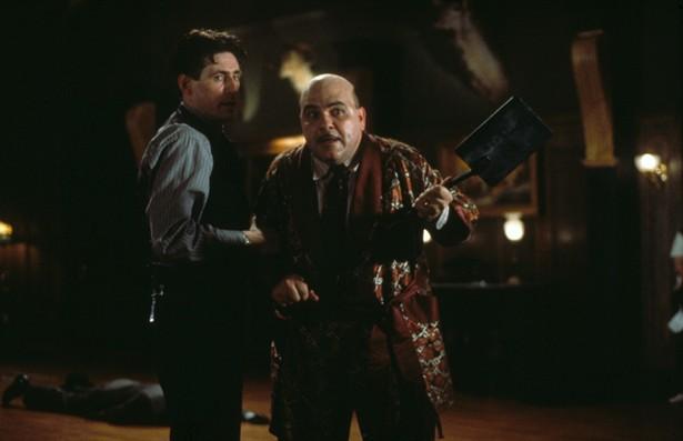 Gabriel Byrne,Jon Polito