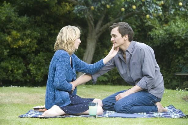 Jodie Whittaker,Rupert Friend