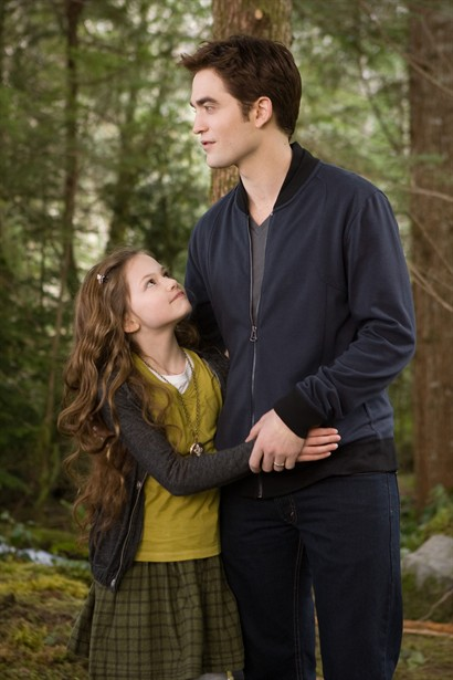 Mackenzie Foy,Robert Pattinson