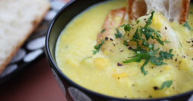 Corn chowder with prawns