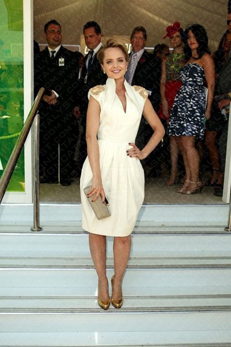 Mena Suvari Wows Onlookers Wearing Aurelio Costarella At Crown Oaks Day