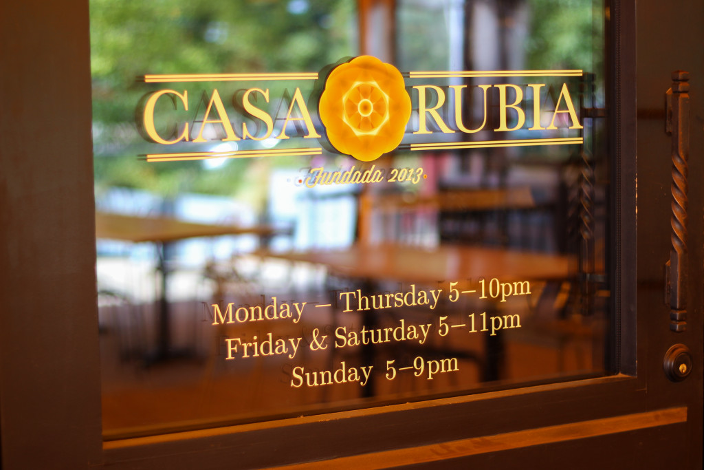 Trinity-Groves-Happy-Hour-Casa-Rubia