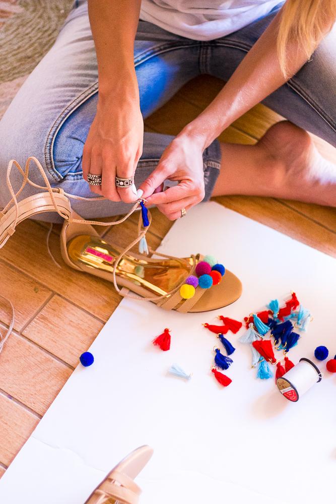 DIY-Pompom-Sandals-0812