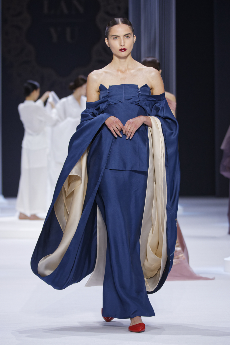 Lan Yu Couture Fall Winter 2015 16 Fashion Insider Magazine
