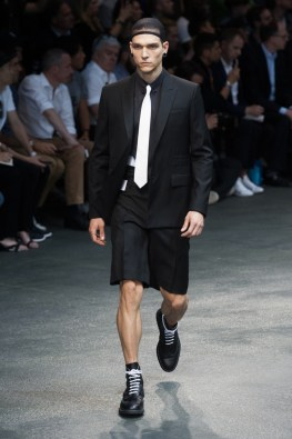 Givenchy-2015-Men-Spring-Summer-Paris-Fashion-Week-005