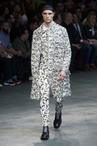 Givenchy-2015-Men-Spring-Summer-Paris-Fashion-Week-008