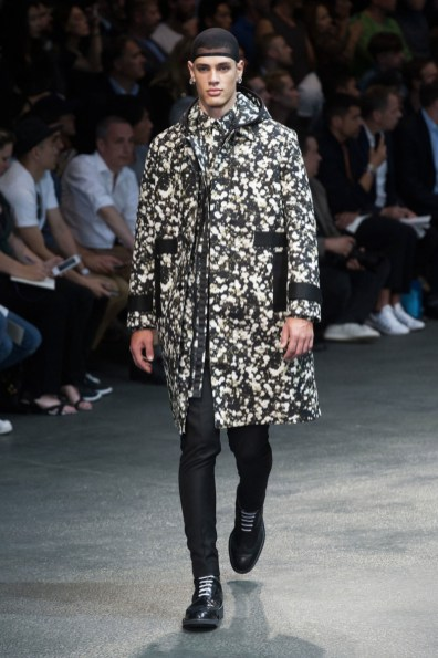 Givenchy-2015-Men-Spring-Summer-Paris-Fashion-Week-012