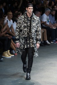 Givenchy-2015-Men-Spring-Summer-Paris-Fashion-Week-014